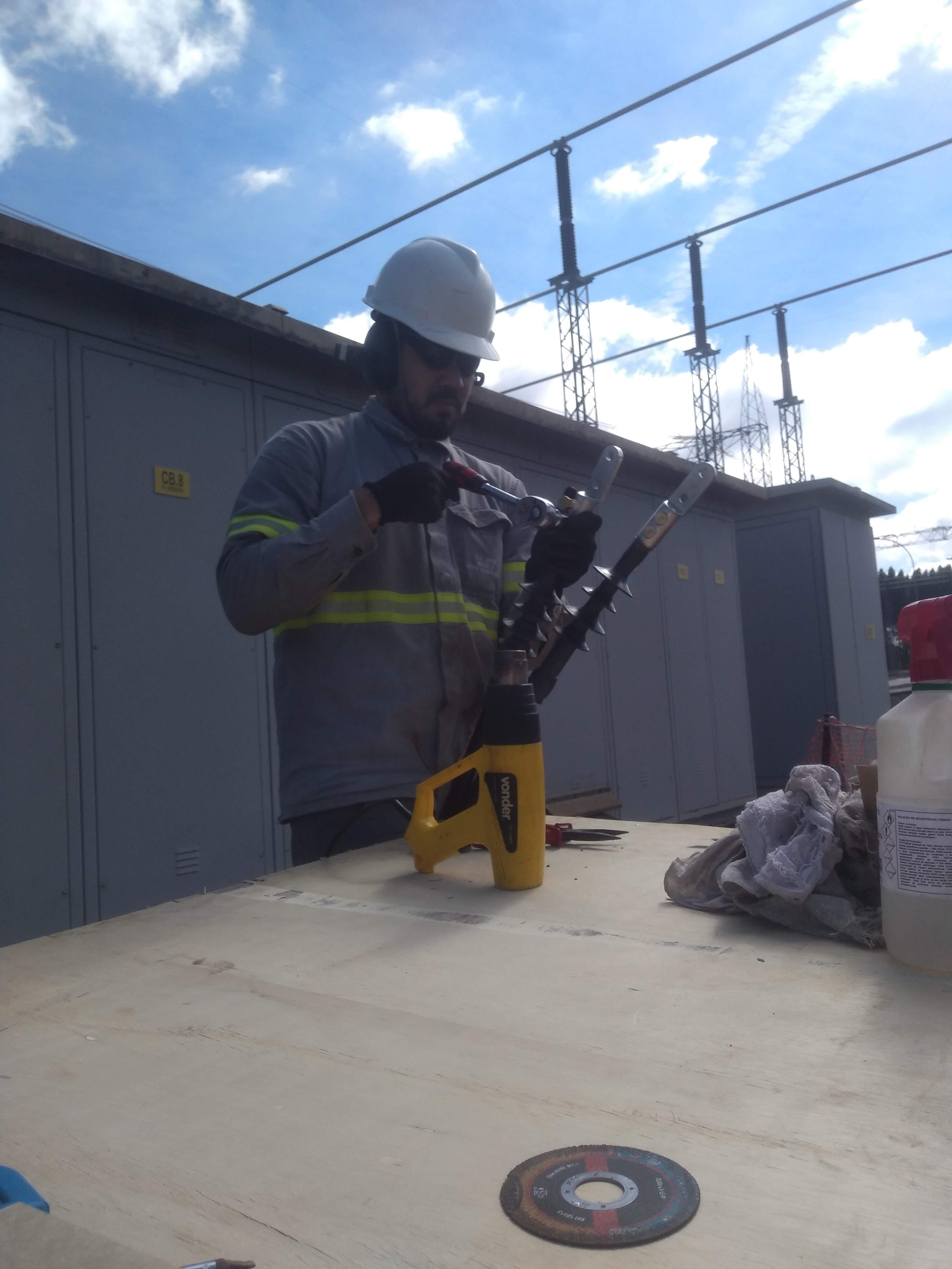 Instalações elétricas industriais e comerciais